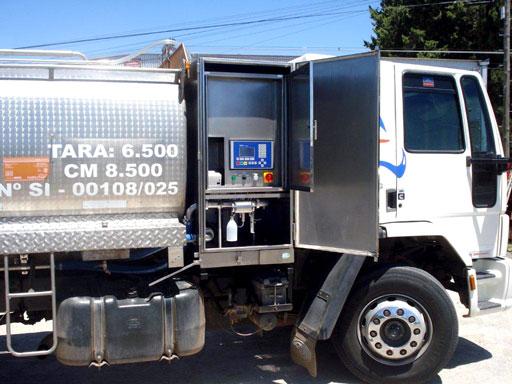Equipo en camión cisterna de leche